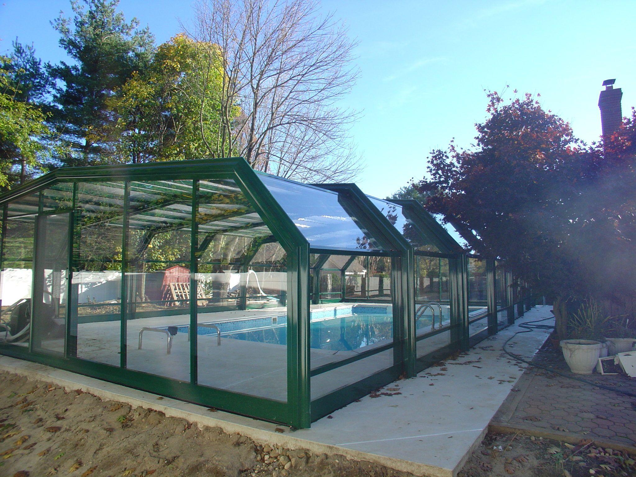 New Jersey Swimming Pool Enclosure Manufactured By Roll A Cover Swimming Pool Enclosures Pool Enclosures Swimming Pools