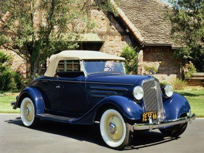 1935 Chevrolet Standard Sport Roadster.