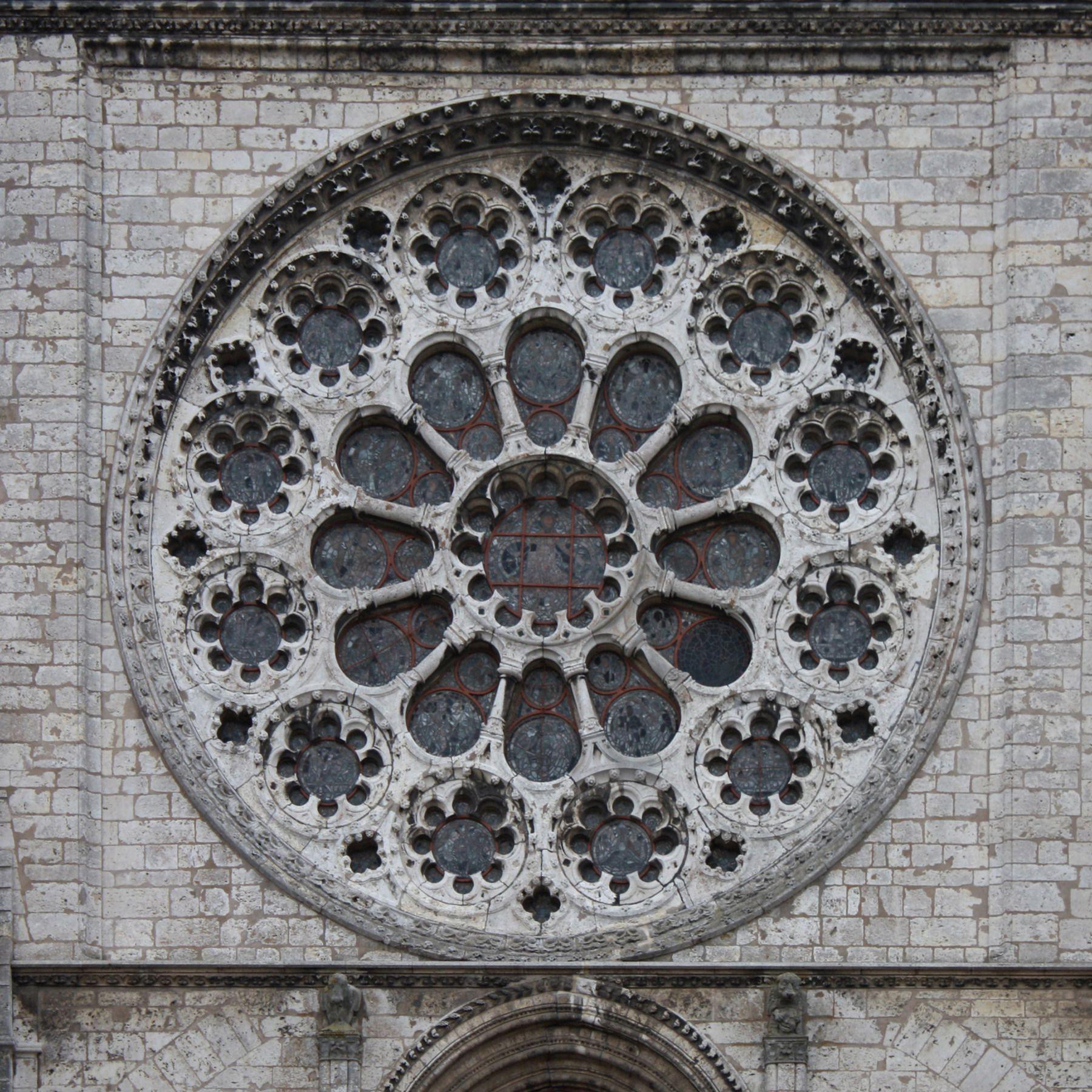 Cathédrale_de_Chartres_-_rosace_ouest,_extérieur.JPG (1800×1800)