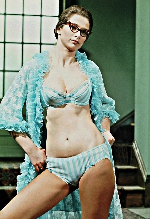 70's British Actress Pin Up Valerie Leon | Vintage Pin Ups ...