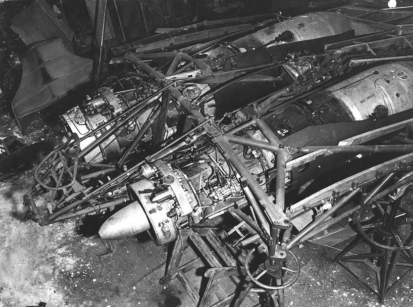 Horten Ho 229 - Jumo 004C engines mounted in the internal structure.