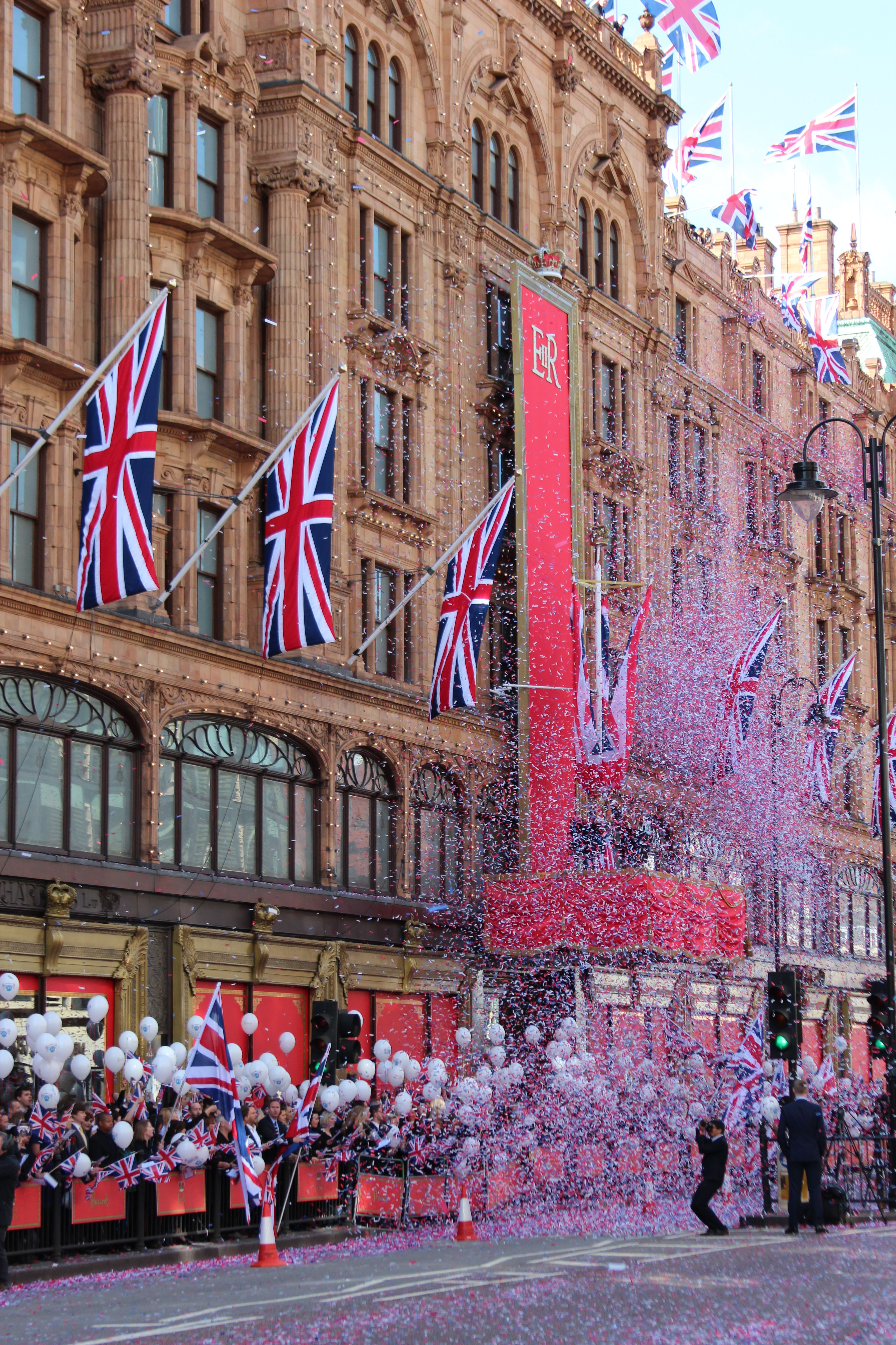 Harrods decorated with Jubilee flags. Our tips for things to do in London.