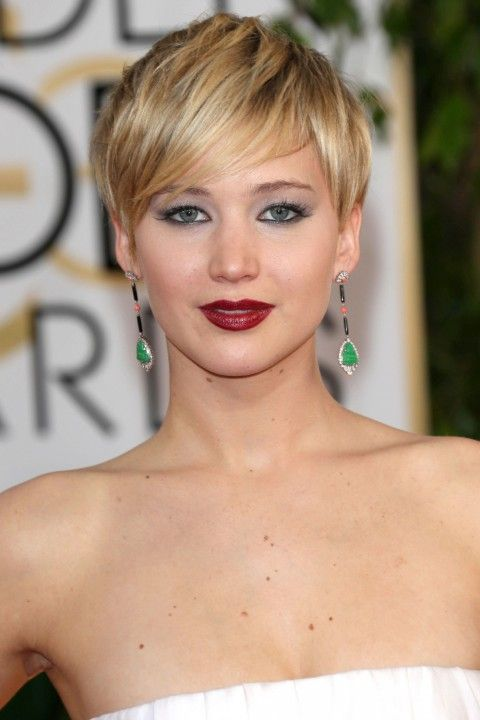 Jennifer Lawrence short hairstyle for round faces 2014  Short