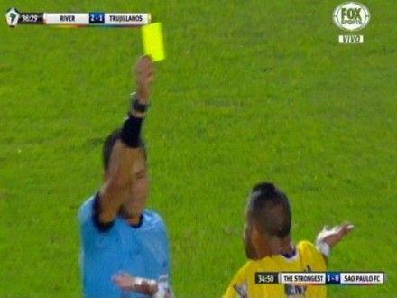 River Plate vs. Trujillanos: el blooper de Víctor Hugo Carrillo que le costó la expulsión al venezolano Mendoza.