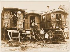 The traditional horse-drawn wagons used by British Romani #geschiedenis