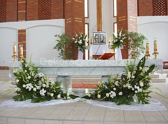 Dekoracja Kosciola Na Slub Church Flower Arrangements Altar Flowers Church Flowers