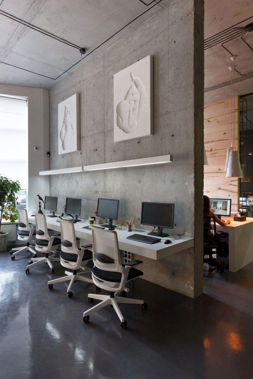 Office and Showroom by Sergey Makhno | Schreibtische, Büros und Loft ...