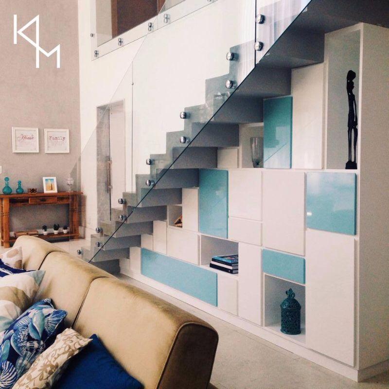 Armário embaixo da escada - Casa de Praia A.R.