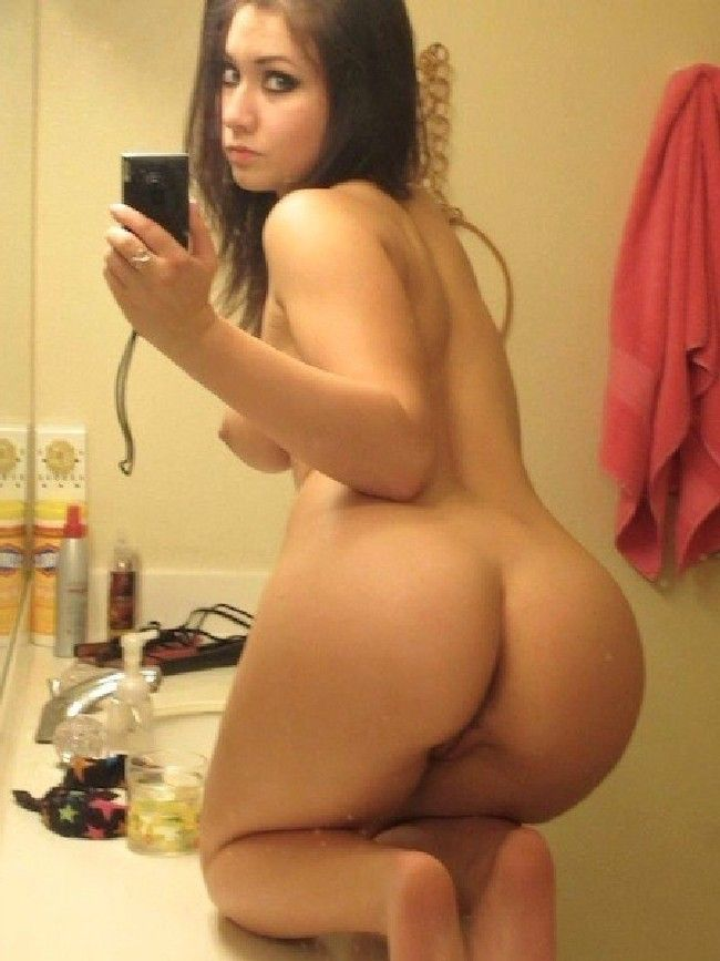 pregnancy nude with big booty