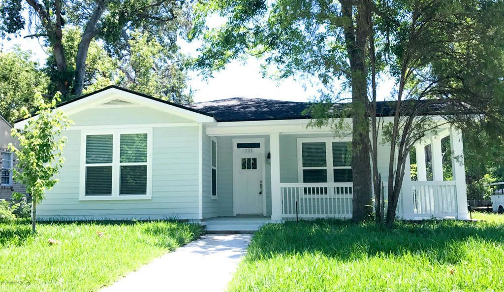 Chic NEW CONSTRUCTION in sought after Riverside! Lush