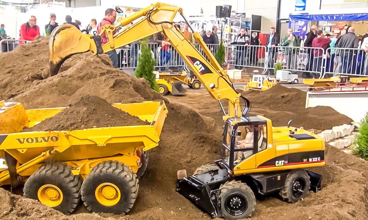 BIG RC 1:8 scale excavator Caterpillar at work! Amazing construction