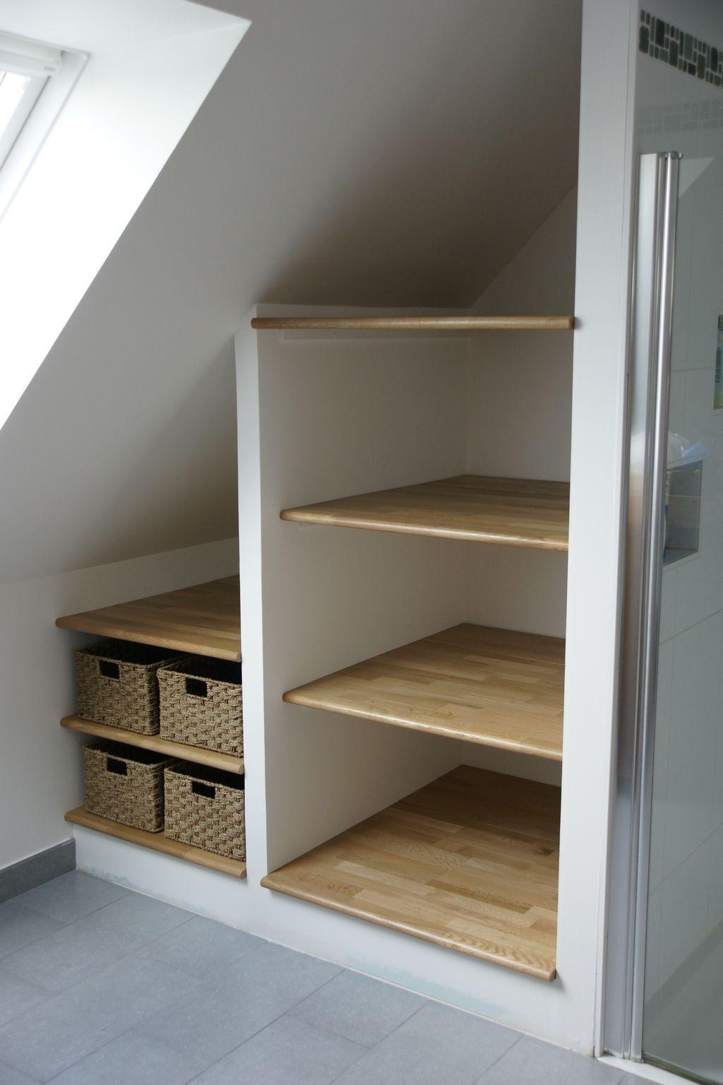 Je l'ai recoupée pour l'adapter à la hauteur disponible sous la pente du toit et l'ai fixée au côté d'une. Amenagement Placard Sous Pente Ikea Pr39 Loft Storage Understairs Storage Stair Storage