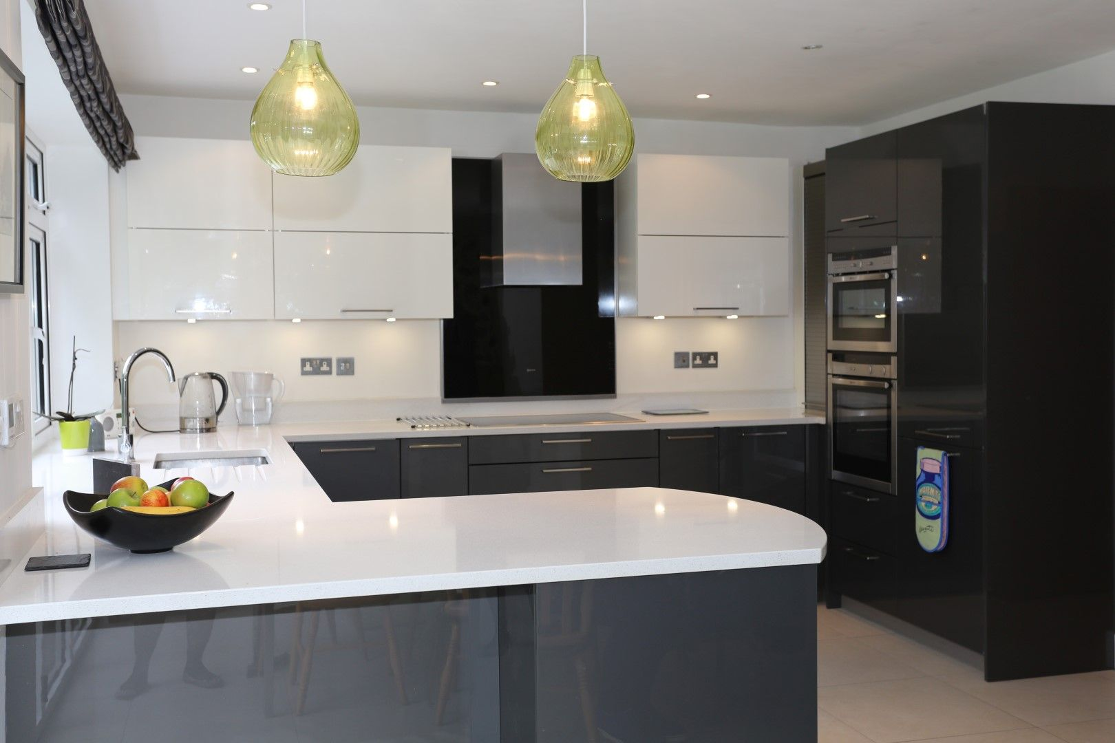Glossy Kitchen Worktops And Kitchen Doors In 2020 Glossy Kitchen Grey Gloss Kitchen Modern Kitchen Cupboards