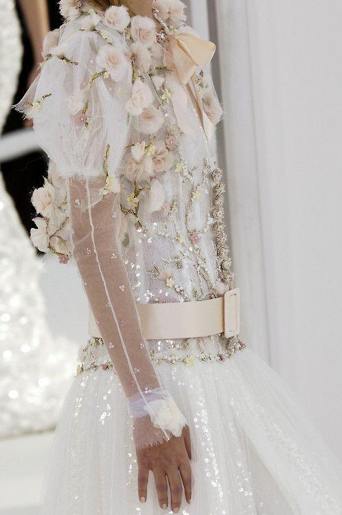 girlannachronism: Chanel spring 2006 couture details