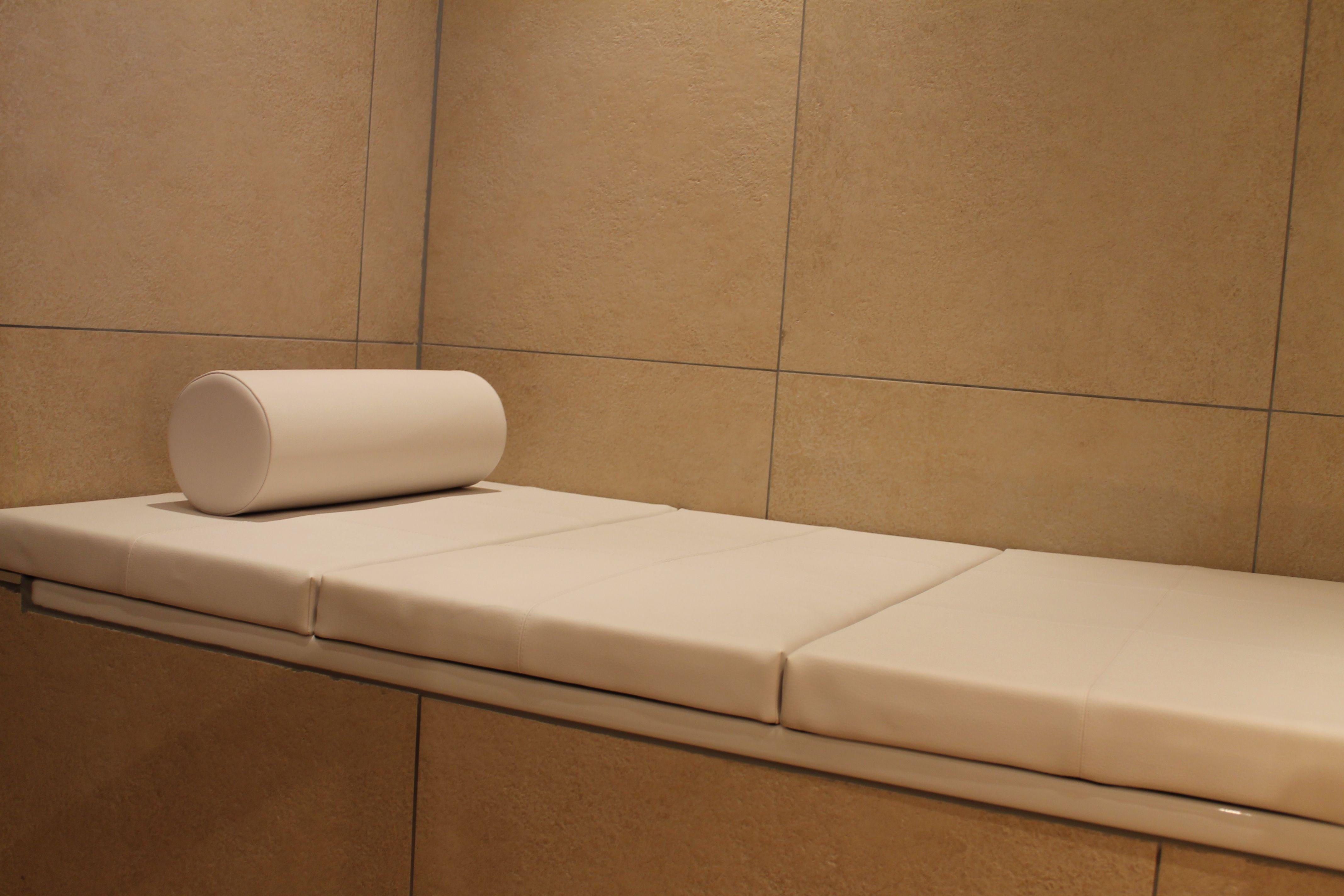 abdeckung f r badewanne auf ma abdeckung f r badewanne pinterest badewannen badezimmer. Black Bedroom Furniture Sets. Home Design Ideas