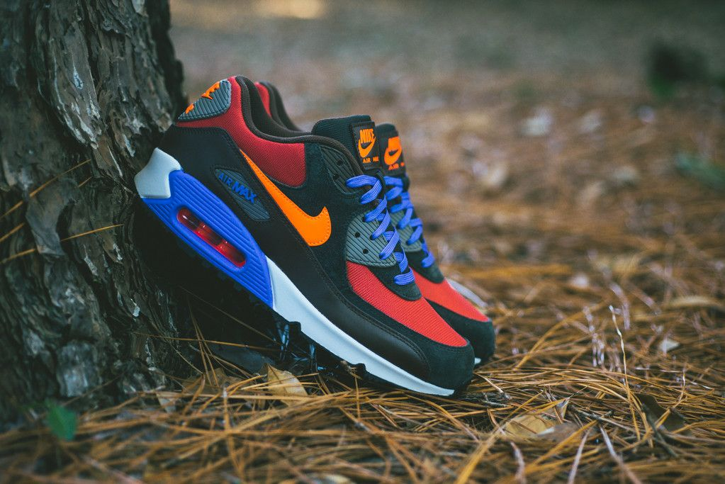 Nike Air Max 90 Winter Red Clay Hyper Crimson Black