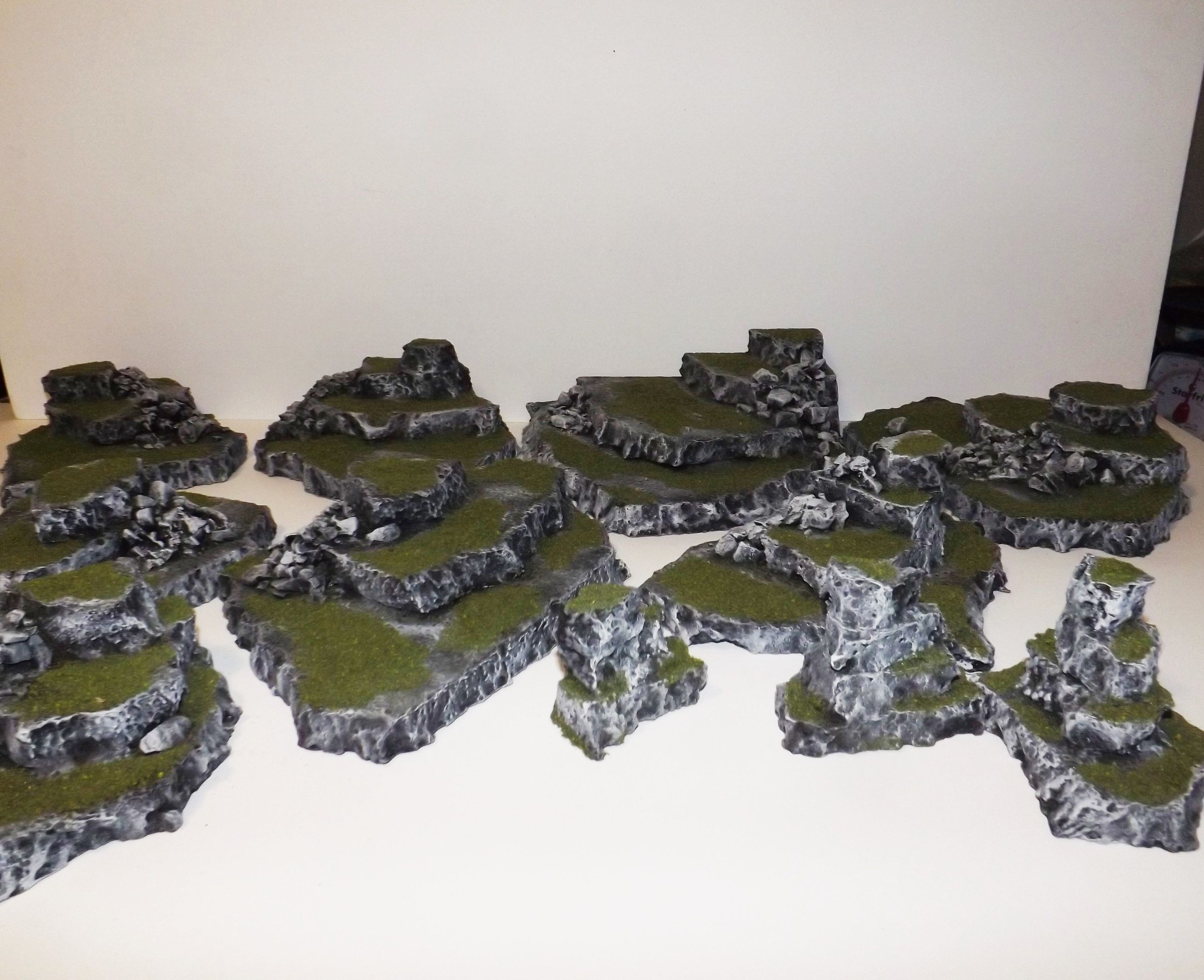 wargaming terrain rocky hills and crag's 11 piece set warhammer ,40K,AOS, 28mm terrain,