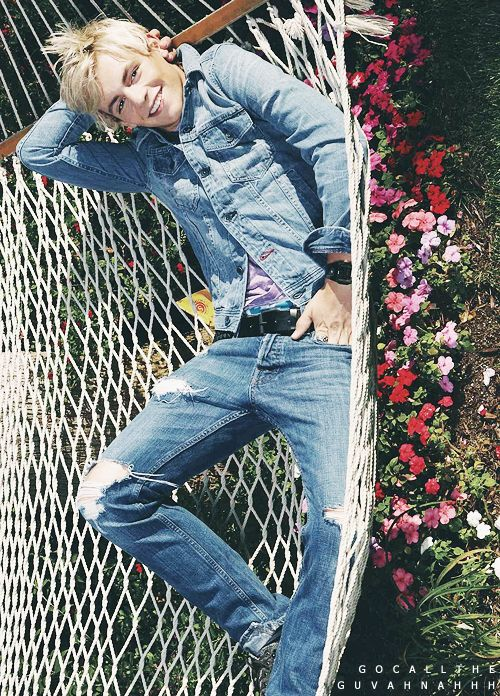Oh Ross! Look At Him Just Laying There Looking Handsom! I