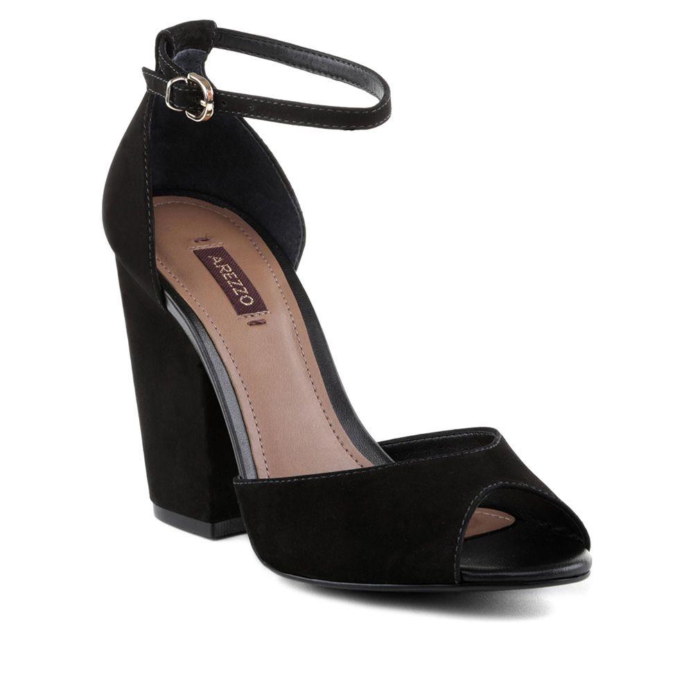 510cf13b2 Arezzo Tendência Em Sapatos, Sapatos Lindos, Sapatos Channel, Sandalia Salto  Baixo, Sandálias