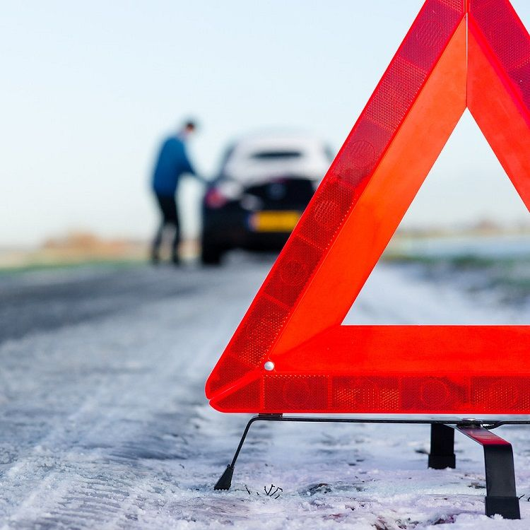 How to Get Cheap Roadside Assistance? (With images