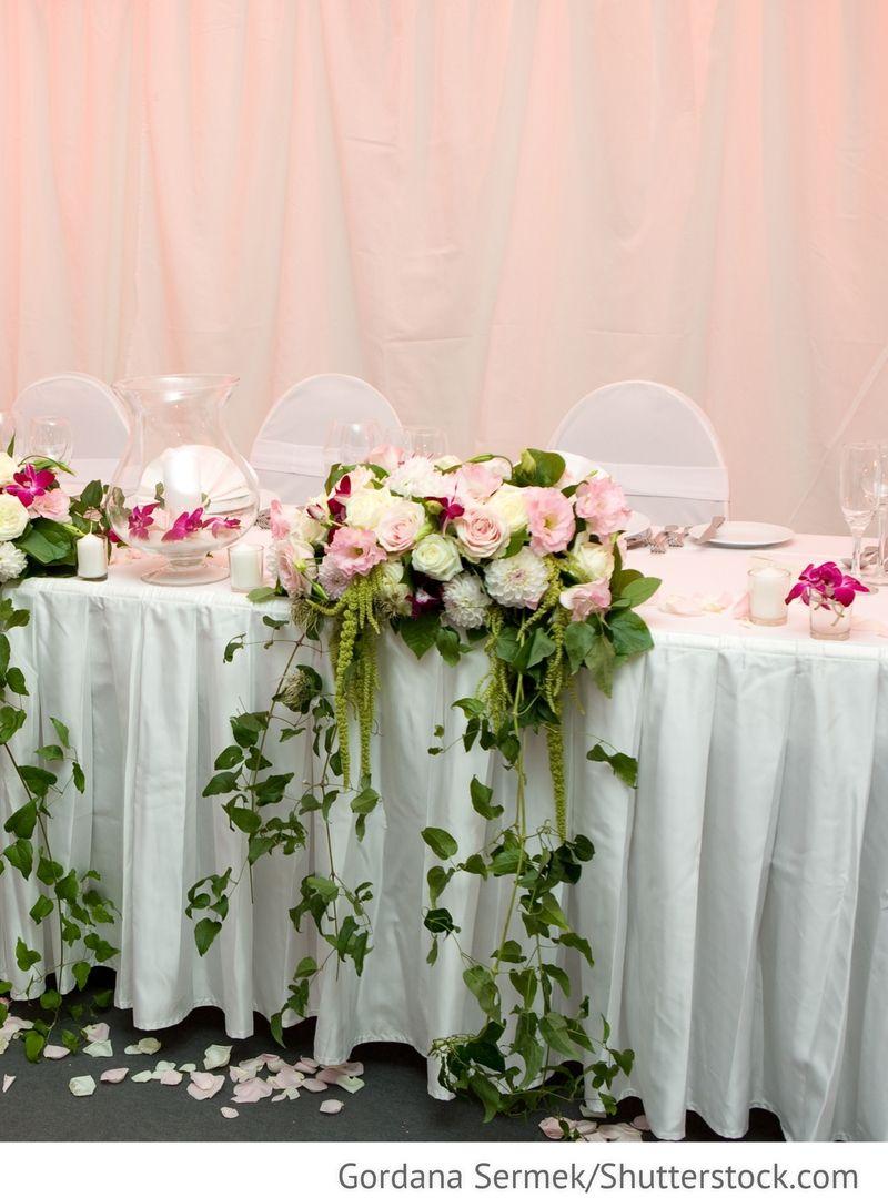 Blumen Dekoration Brautpaartisch Fur Russische Hochzeiten