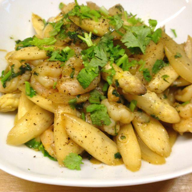 Asparagus prawn stir fry