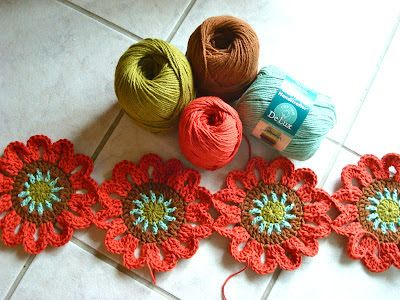 FREE PATTERN ~ Once Upon A Pink Moon: Flower Power Valance Tutorial
