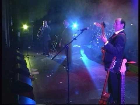 """LOS MITOS """"Suena una guitarra"""" - YouTube"""