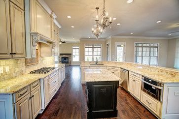 10 Sotheby Place- McMullen Cove - traditional - kitchen - birmingham - The Pugh Group New Home Division