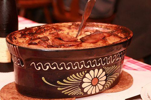 Baeckeoffe in a traditional Soufflenheim dish