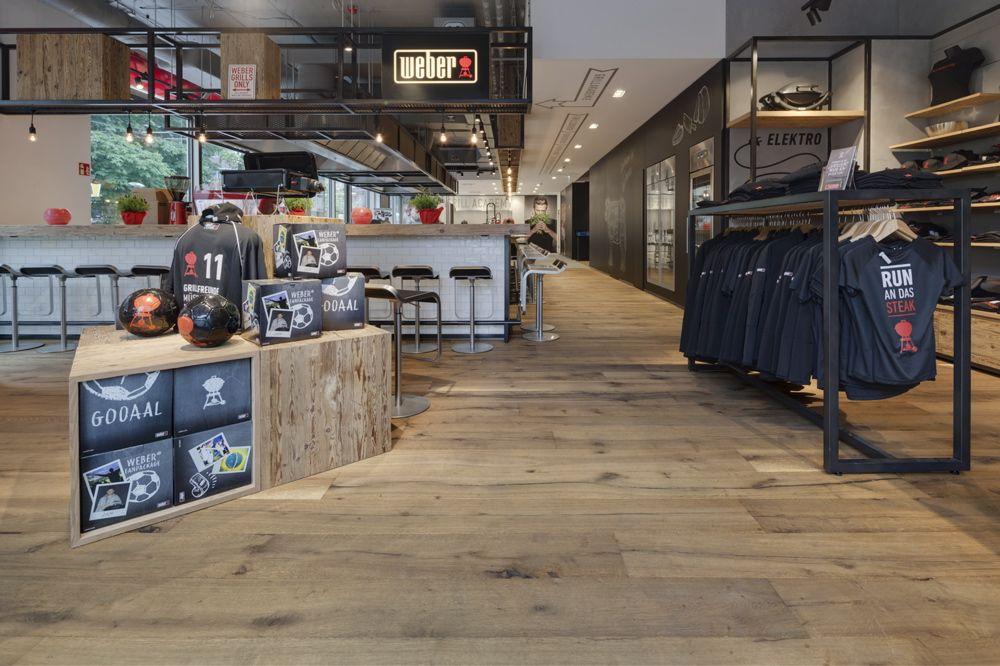 Interior design of weber grill shop in berlin reclaimed for Weber grill berlin