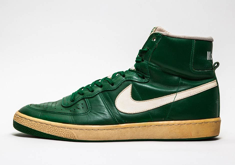 new concept 3f883 be0f1 1982 Kevin McHale Nike Legend PEs