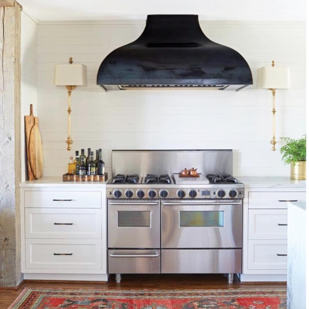 Loooooving this statement range hood and basically the whole kitchen ...