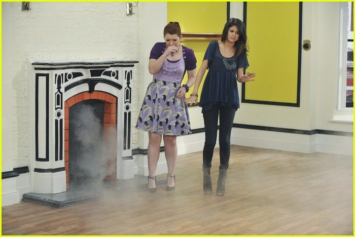 Wizards Of Waverly Place Vs Angels Google Zoeken