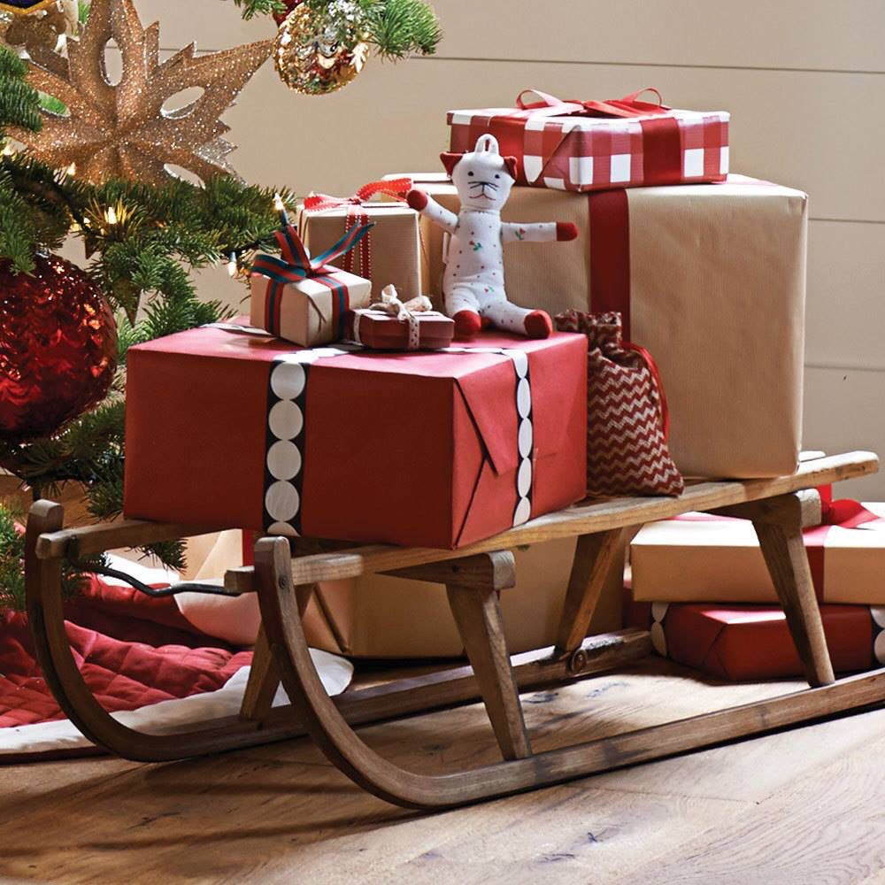 114 Best Easy Christmas Decor Images On Pinterest: Wooden Sleigh To Hold Christmas Presents