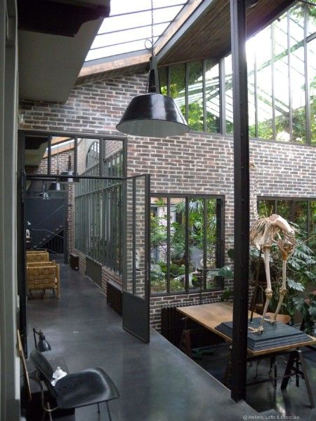 loft avec jungle verri re industriel et int rieur. Black Bedroom Furniture Sets. Home Design Ideas