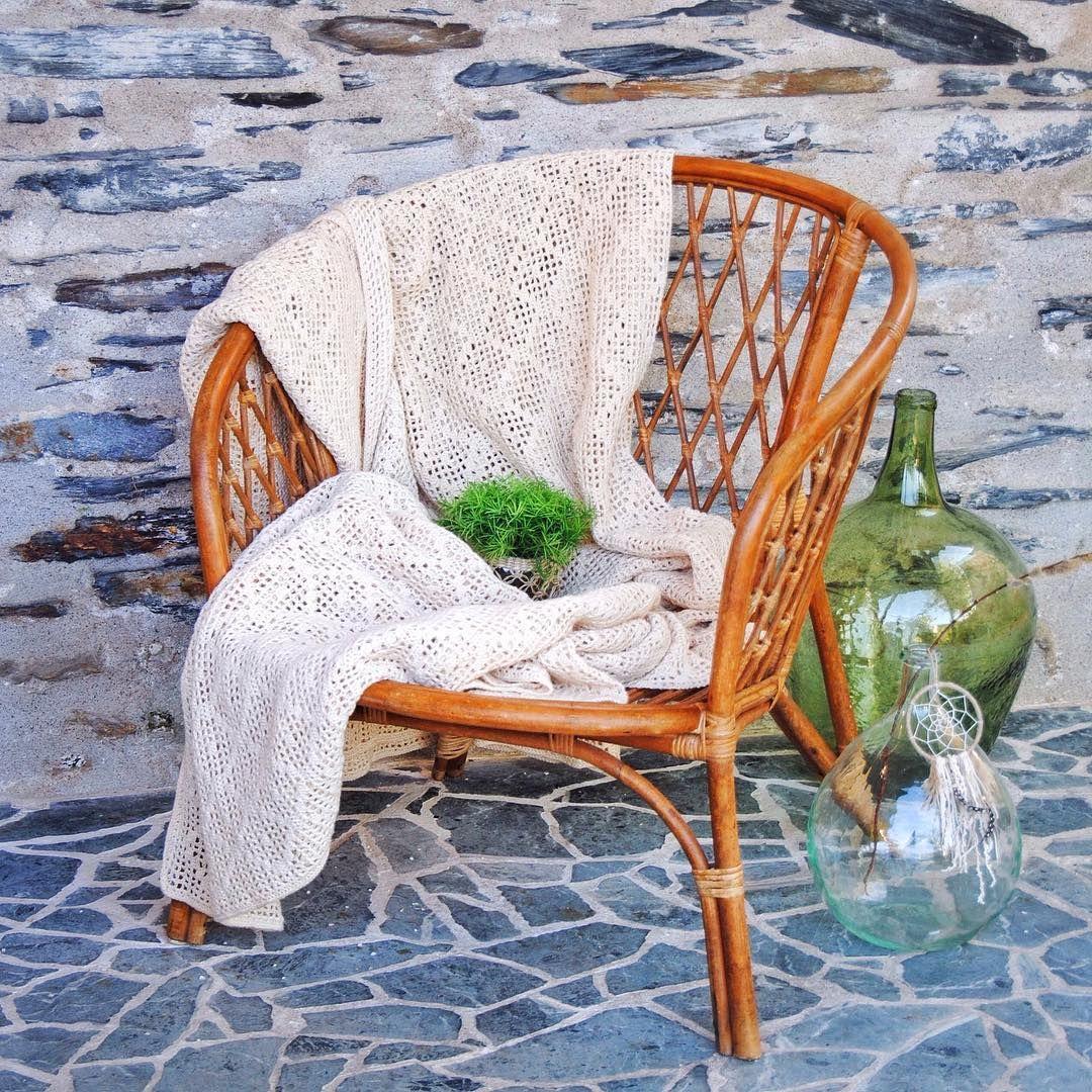 Invitation A La Detente Fauteuil Et Plaid Dispo Sur Notre E Shop Grisgroseille Cosy Vintage Boho Bohe In 2020 Wicker Chair Wicker Decor