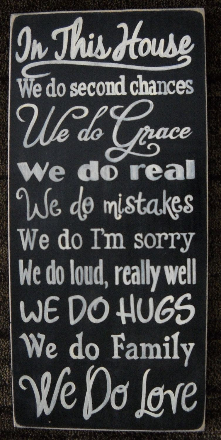 In This House WE DO LOVE Typography Sign Plaque Wall Home Decor Family  Motto .