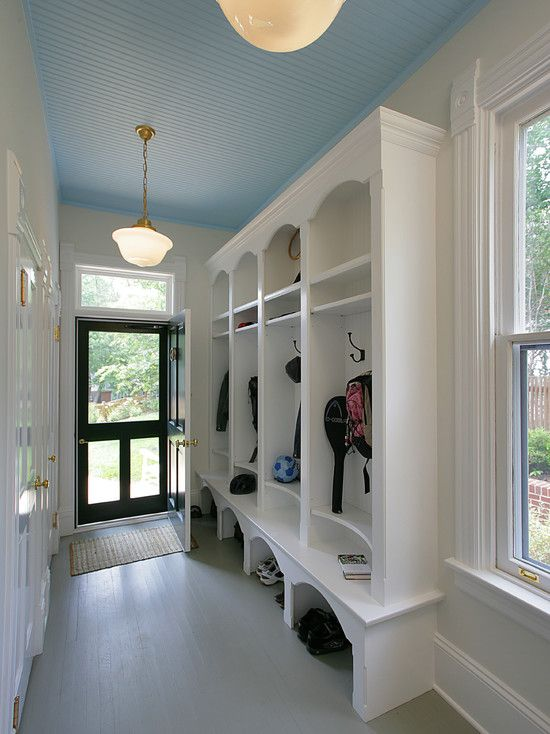 Best Mudroom Rugs To Decorate Your Laundry Room And