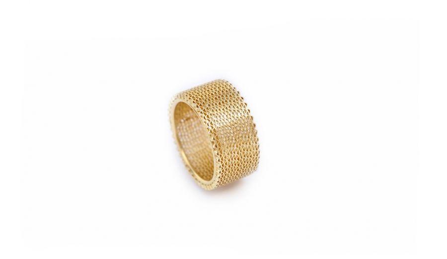 Liliana Guerreiro | Colecções - Handmade 19 carat gold ring, with an ancient filigree technique, mesh