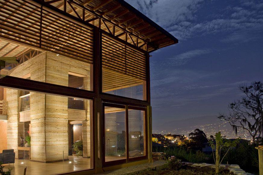 Maison de terre en pisé - Medellin, Colombie (© A Jesus Antonio