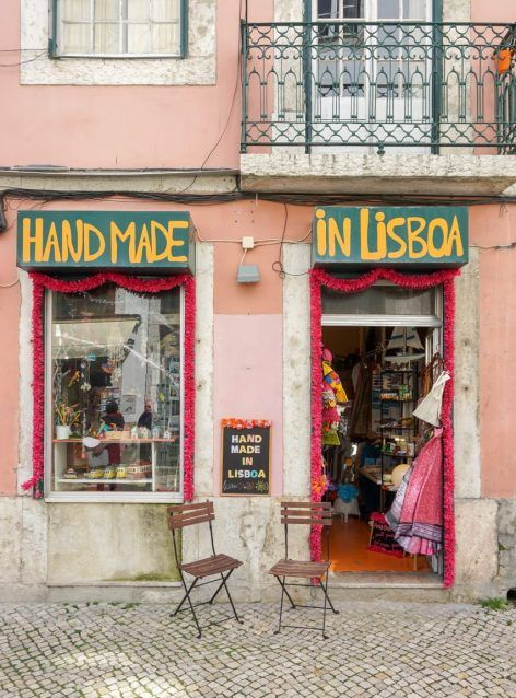 5 Days in Lisbon, Portugal: A Must See City #lisbon