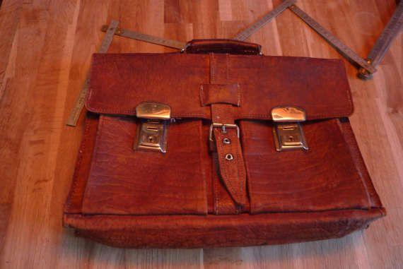 Cartable ancien vintage en gros cuir épais thème école écolier