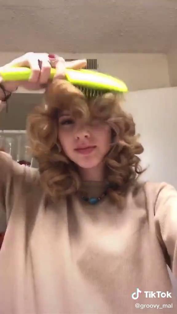 The Farrah Fawcett Video In 2021 Hair Styles Hair Tutorial Blowout Hair