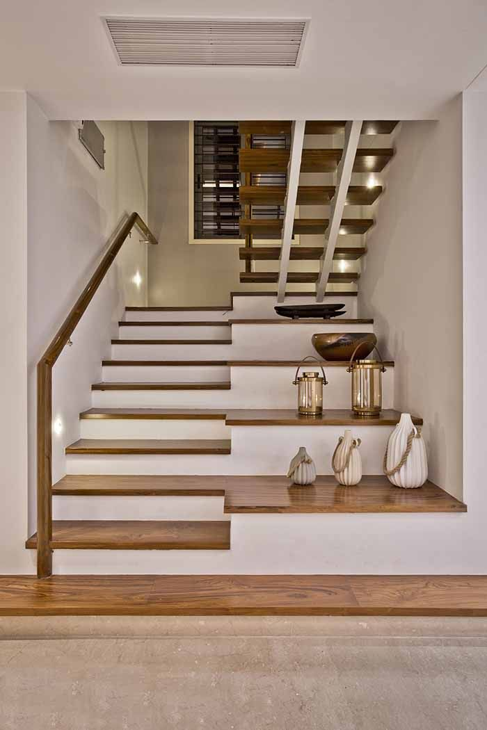A Contemporary Home for a Well-traveled Couple | Staircase ...