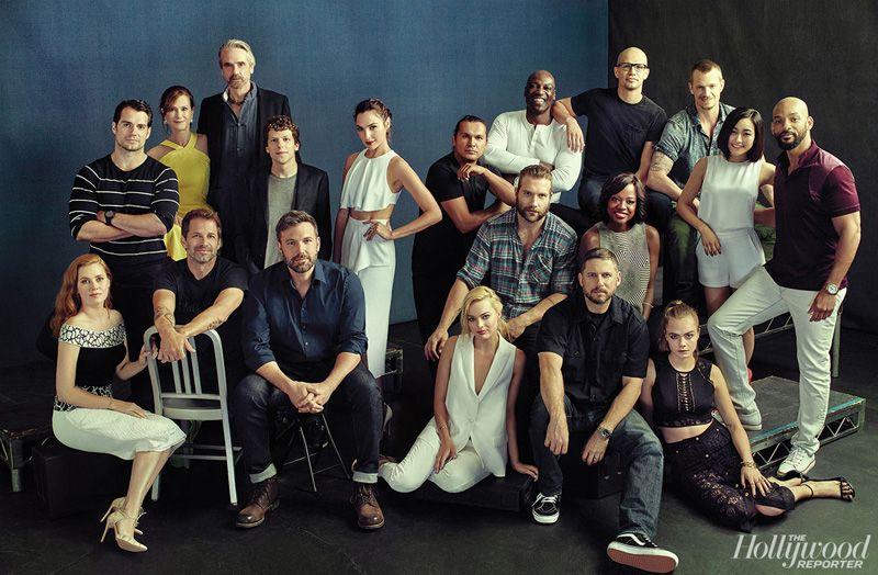 Cápsula Cinéfila: La sesión fotográfica tipo familiar de los actores de DC y Marvel
