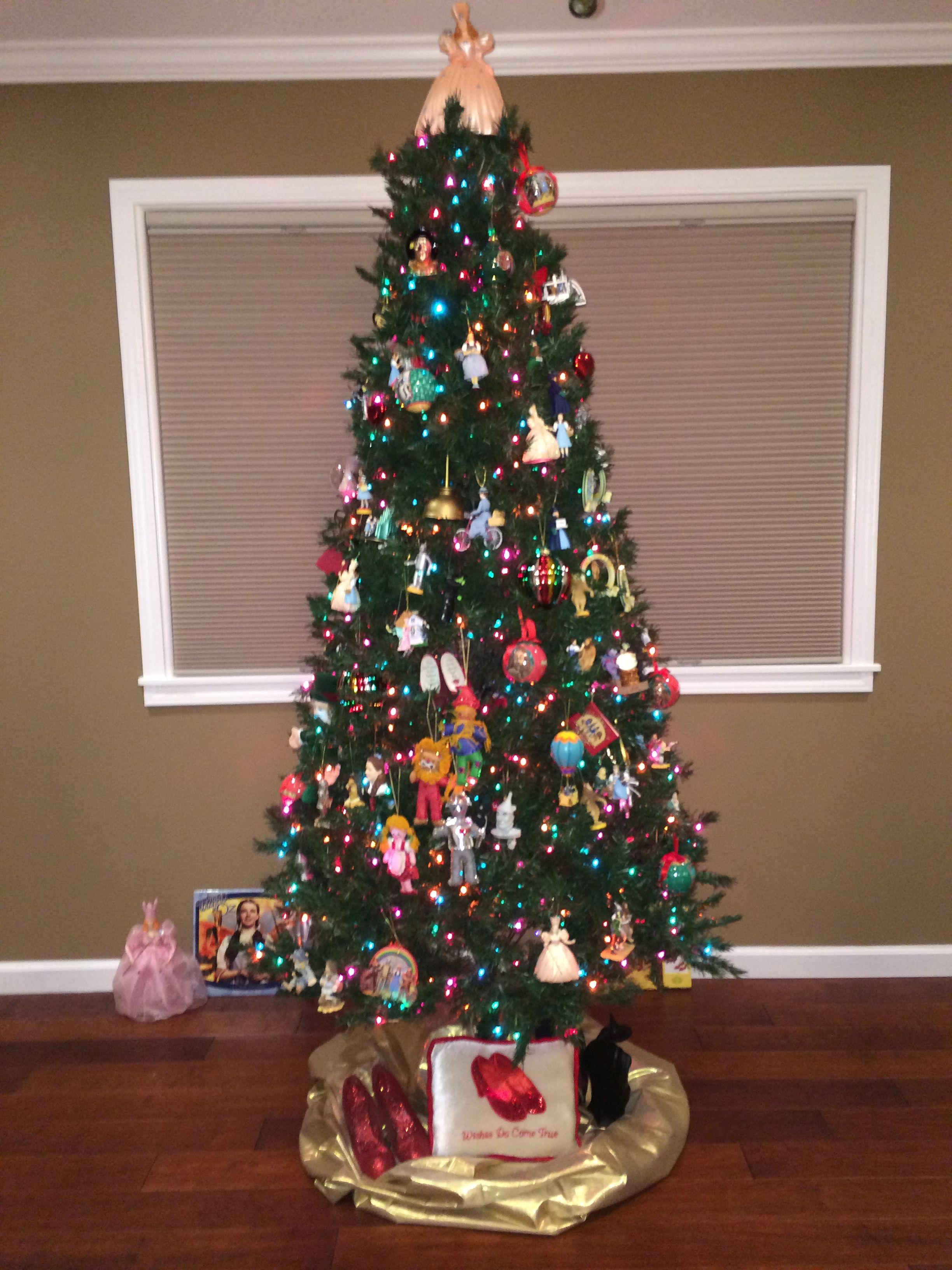 Wizard of Oz Christmas tree | Christmas decorations ...