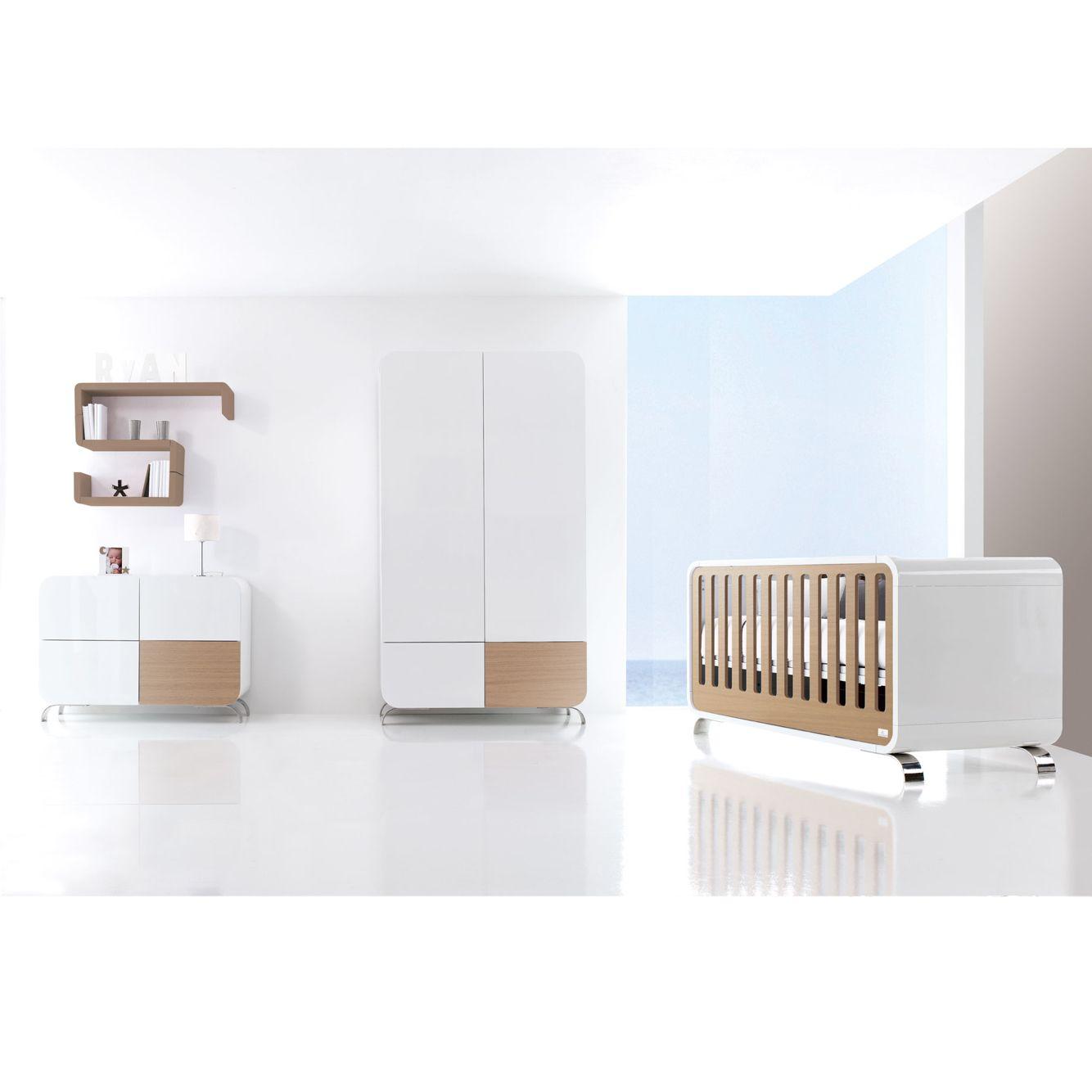 Habitaciones infantiles modernas y de diseño blancas combinadas con ...