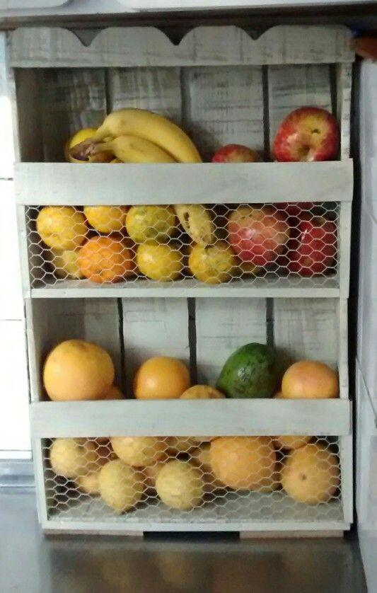 Frutera hecha con cajon de verduras pallets y cajones for Diseno de muebles con cajones de verduras