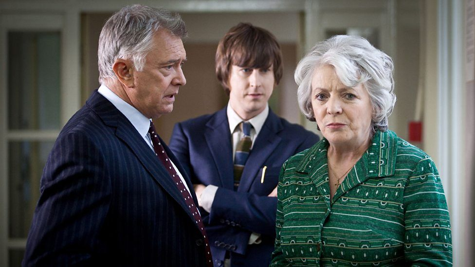 Martin Shaw Lee Ingleby And Alison Steadman In Inspector George